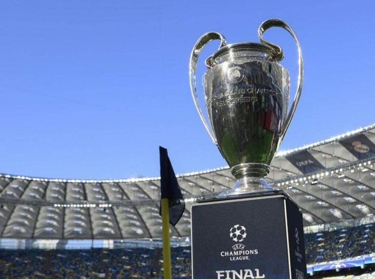 UEFA descarta jugar los octavos de la Champions en un terreno neutral