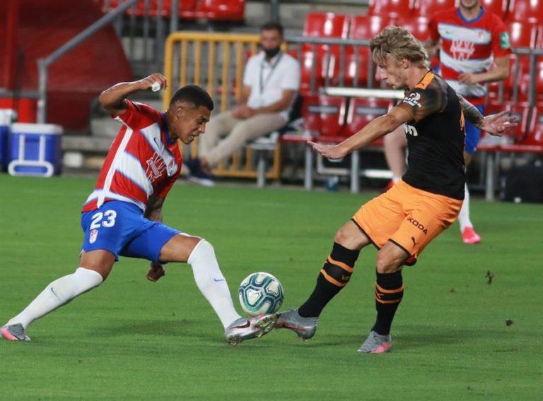 Granada y Valencia igualaron en duelo por puestos europeos