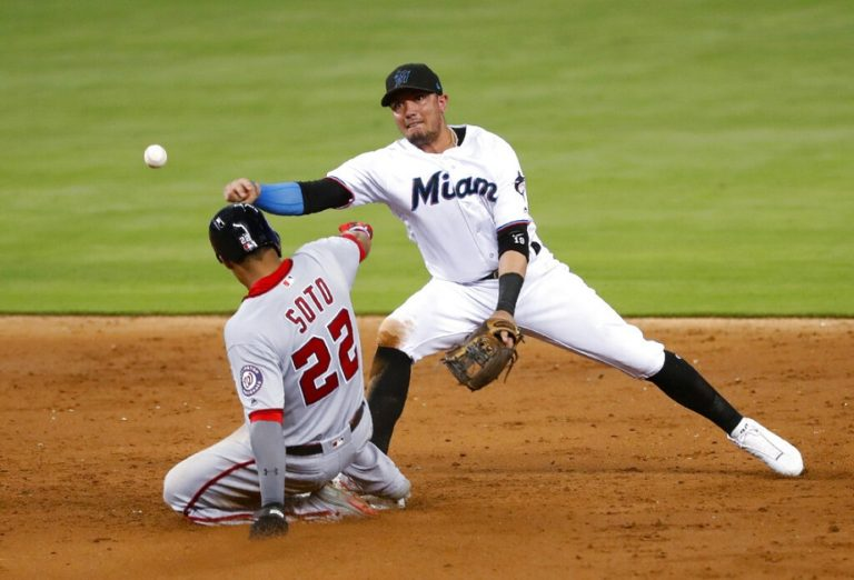 Miguel Rojas will lead the Marlins again
