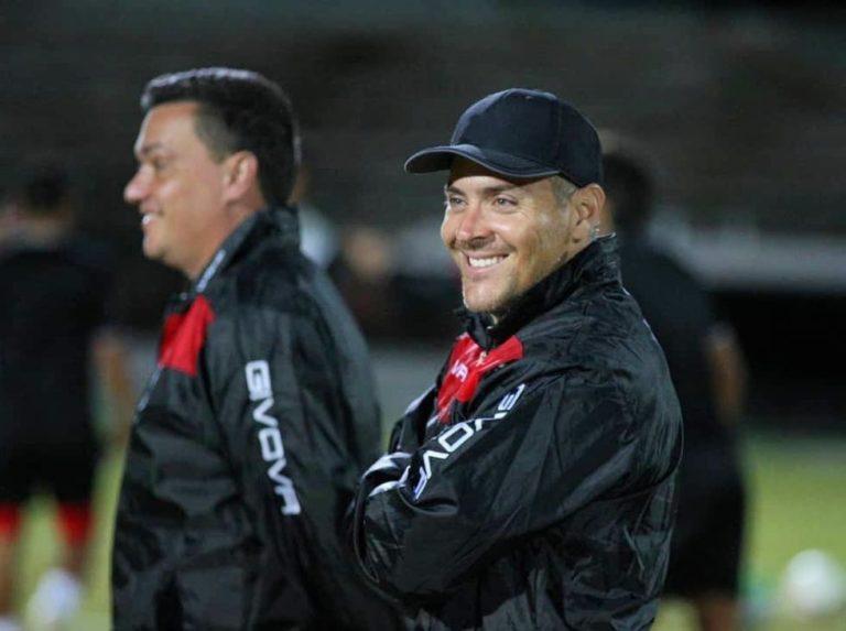 Martín Carrillo dirigió primer entrenamiento con la sub 20