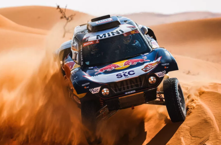 Al-Attiyah wins the stage and remains 15 minutes from Peterhansel