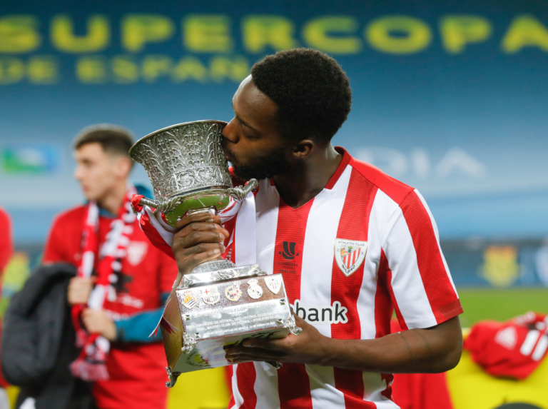 Williams gives the Super Cup to Athletic Bilbao