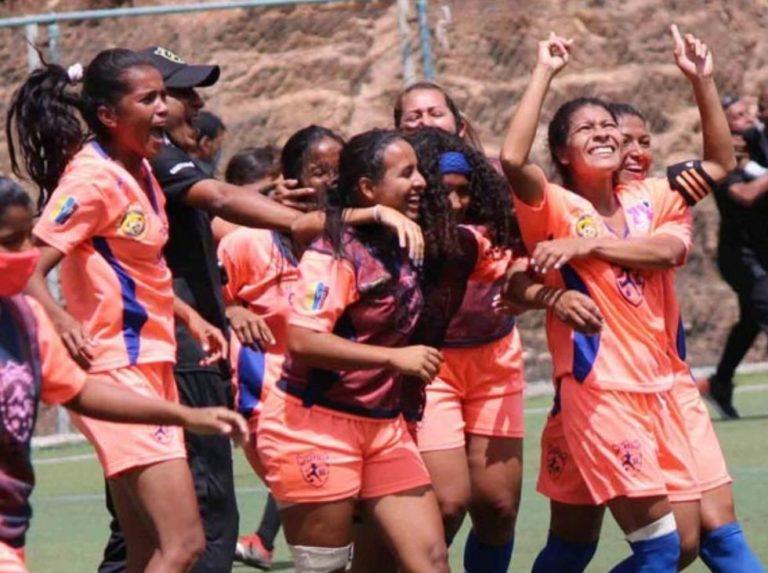 Karen Vilau heads the ideal 11 of the Women's Invitational Tournament