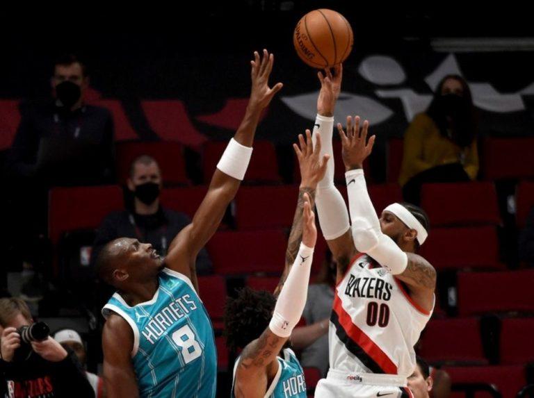 Blazers se impone a los Hornets con un destacado Carmelo Anthony