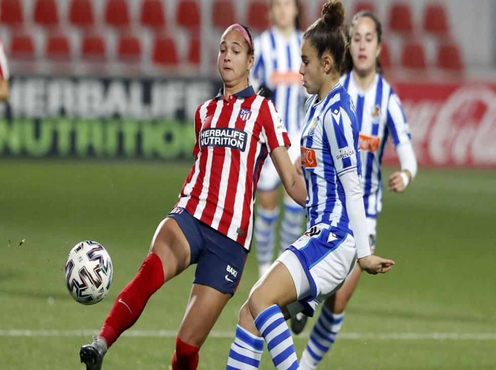 Deyna Castellanos dilapidó un tiro penal ante el Chelsea