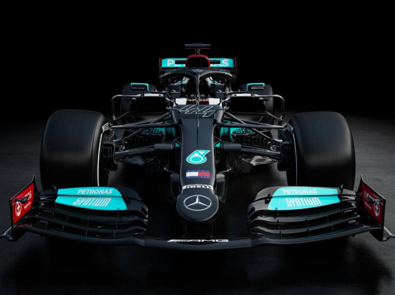 Mercedes presentó su W12 para la temporada 2021